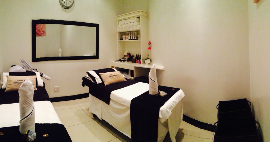 africology-spa-rosebank-treatment-room2